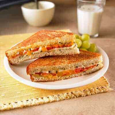 Herbed Cheese and Tomato Sandwich